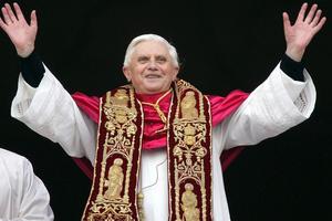 Ο Πάπας εμπνέει τα πλήθη