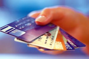 Έλεγχοι σε φορολογούμενους με πιστωτικές του εξωτερικού