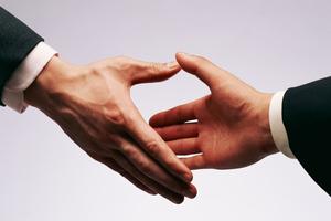 Η χειραψία είναι κάτι παραπάνω από ένδειξη φιλίας