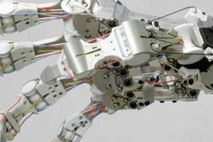 H ρομποτική χείρα