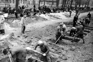 Συντάξεις σε... επιζώντες της ναζιστικής Γερμανίας