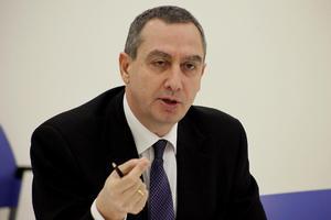 «Η κυβέρνηση αντιμετωπίζει τη χώρα σαν εταιρεία»