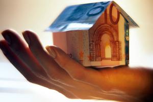 Έμφαση στα στεγαστικά δάνεια το 2014