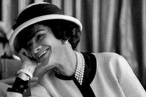 187a5f0f5305 Οι 10 εντολές της Coco Chanel – Newsbeast