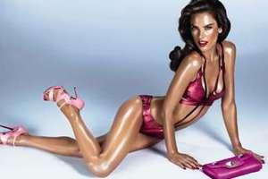 H Alessandra Ambrosio έγινε Barbie