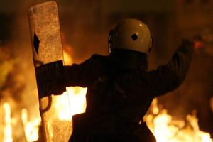 Προκλητική συμπεριφορά αστυνομικού στην Κερατέα