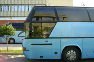 Έκτακτη επιδότηση και για τα τουριστικά λεωφορεία που είχαν καταθέσει οι ιδιοκτήτες τους πινακίδες