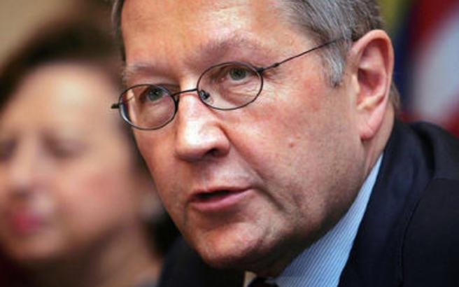 Ρέγκλινγκ: Στην ελάφρυνση του χρέους το βάρος των προσπαθειών για την Ελλάδα
