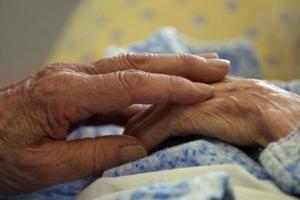 Απατεώνες «εφοριακοί» εξαπάτησαν ηλικιωμένη