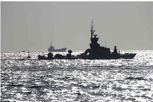 Στο Σουέζ δύο ιρανικά πλοία