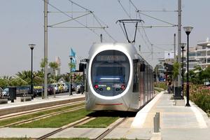 «Παγίδευαν» μηχανήματα έκδοσης εισιτηρίων του τραμ