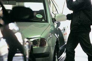 Ανήλικοι ξάφριζαν οδηγούς αυτοκινήτων στις Αχαρνές