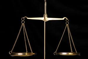 Σεμινάρια για δικαστές που ασχολούνται με θέματα λογιστικά-χρηματοπιστωτικά και μέσω live streaming