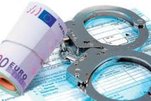 Ποινές κάθειρξης σε επίορκους εφοριακούς