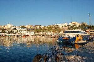 Τροποποιήσεις στα δρομολόγια πλοίων από Ραφήνα