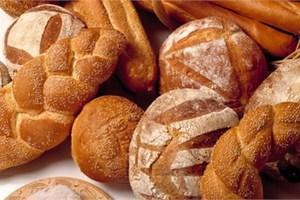 Κόβουν ακόμα και το ψωμί!