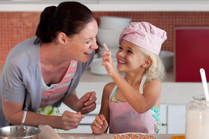 Η ενασχόληση των παιδιών με τη μαγειρική βελτιώνει τη διατροφή