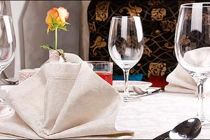 Τραπέζι με «μαγειρεμένες» τιμές