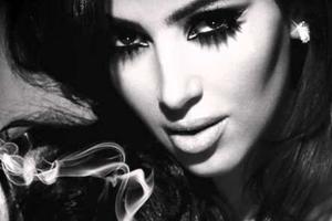 Η Kim Kardashian έμεινε με τα… άκρως απαραίτητα