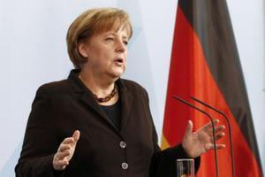 Επιμένει στο «όχι» σε ευρωομόλογο η Μέρκελ