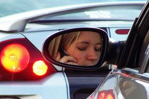 Σαν πιωμένοι συμπεριφέρονται οι οδηγοί με το κινητό