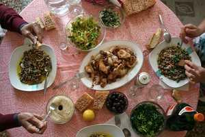 Πόσες θερμίδες έχει το Σαρακοστιανό τραπέζι
