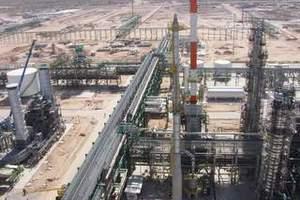 Το Ιράν προειδοποιεί για «εκτόξευση» της τιμής του πετρελαίου