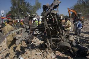 Διπλή έκρηξη στο Πακιστάν