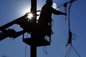 Αποκαθίστανται τα προβλήματα ηλεκτροδότησης στις Σποράδες