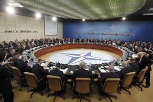 Διαψεύδει δημοσίευμα για πρόσφυγες από Λιβύη το ΝΑΤΟ