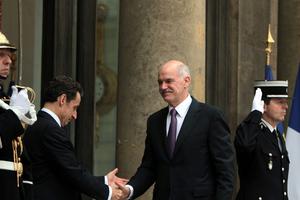 «Ο Σαρκοζί μπορούσε να εκβιάσει τον Παπανδρέου για τα χρήματα της μητέρας του στην HSBC»
