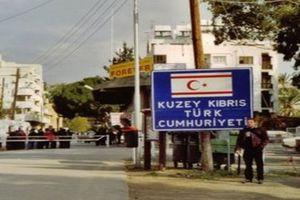 Κύπρος: Μητέρα και κόρη «συνελήφθησαν» από τις κατοχικές αρχές στη Μόρφου