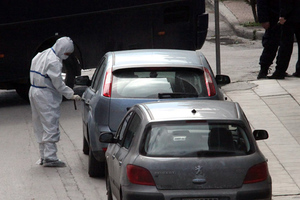 Συναγερμός στην ΕΛ.ΑΣ. από κλεμμένο όχημα που εντοπίστηκε στα Εξάρχεια