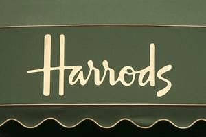 Από την Καρδίτσα στο... Harrods!