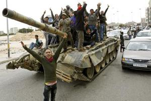 Κερδίζουν έδαφος οι αντάρτες στη Λιβύη