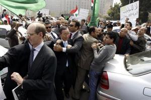 Οπαδοί του Καντάφι αποδοκίμασαν το ΓΓ του ΟΗΕ