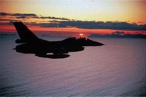 Το ΝΑΤΟ αναλαμβάνει τη διοίκηση της επιχείρησης στη Λιβύη