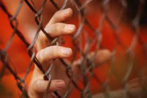 Γιατί απέχουν από το συσσίτιο οι έγκλειστοι των φυλακών
