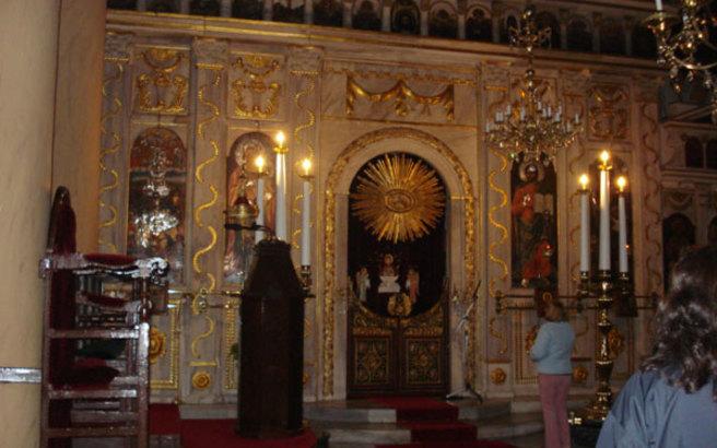 Βεβήλωσαν ιερό ναό σε χωριό της Κυνουρίας