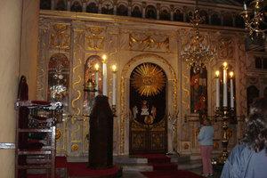 Απατεώνες «αδειάζουν» τις τσέπες των πιστών στα Χανιά