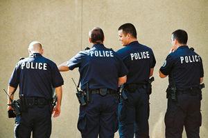 Υπηρεσία γνωριμιών αστυνομικού