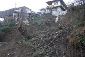 Υπό κατάρρευση σπίτια στην Καρδίτσα