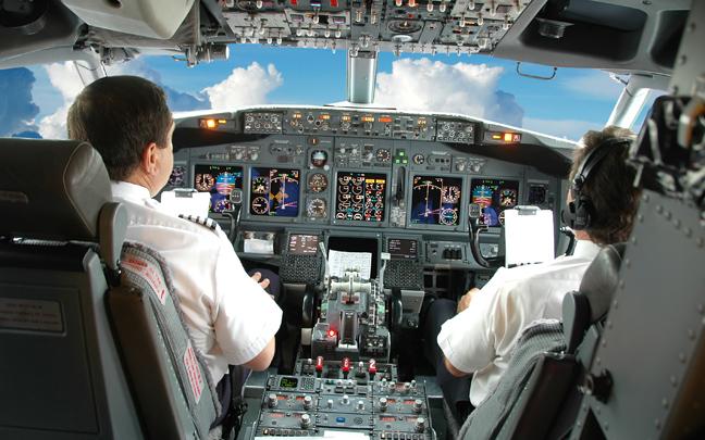 Πιλότοι εξομολογούνται όσα συμβαίνουν πίσω από τις κλειστές πόρτες του κόκπιτ