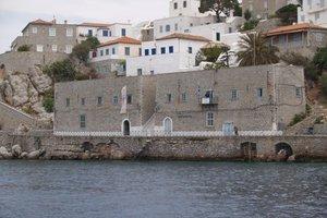 «Φρένο» στην ανέγερση νέων κατοικιών στην Ύδρα