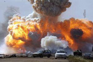 Το ΝΑΤΟ κατηγορεί τον Καντάφι ότι χρησιμοποιεί πολίτες ως ανθρώπινη αλυσίδα