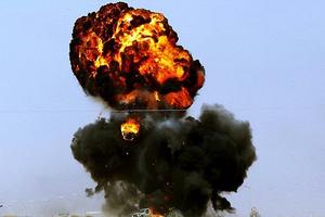 Το ΝΑΤΟ διαψεύδει ότι βομβάρδισε πετρελαιοπηγή