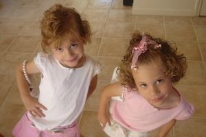 Οι δύο κόρες φέρνουν την ευτυχία