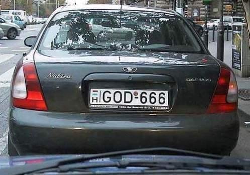 http://www.newsbeast.gr/files/1/2011/04/12/%CF%80%CE%B9%CE%BD%CE%B1%CE%BA%CE%B9%CE%B4%CE%B5%CF%82/funny-license-plate-god-666.jpg