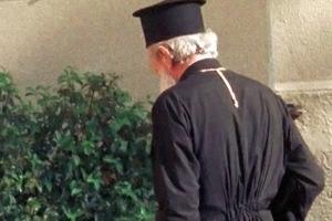 Ιερέας επικήρυξε τους ιερόσυλους με 2.000 ευρώ