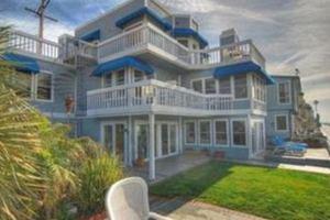 «Στο σφυρί» το σπίτι του Beverly Hills 90210
